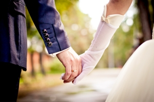 wedding_holding_hands